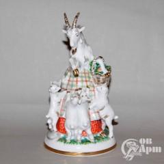 "Скульптура ""Коза и семеро козлят"""